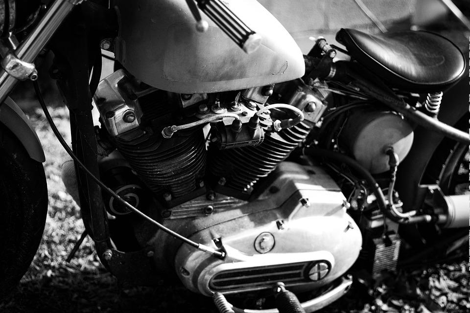 バイクエンジン